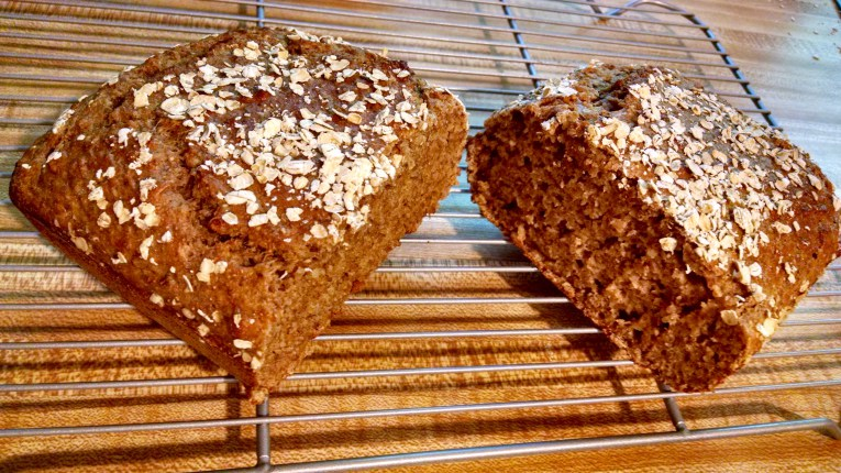 Quinoa Flour Bread – With and Without Milk, Yeast